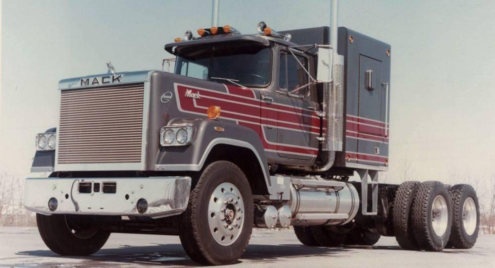 mack_trucks-1110x600.jpg